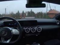"""""""Hej, Mercedes: Co sądzisz o BMW i Audi?"""""""