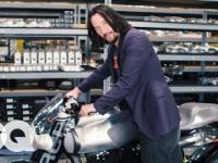 Keanu Reeves pokazuje najcenniejsze motocykle w swoim garażu