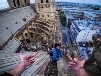 Dwóch śniadych Francuzów w zeszłym roku chodziło sobie po Notre Dame, dosłownie