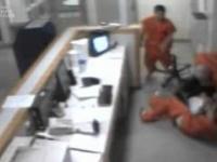 Więźniowie ratują strażnika przed śmiercią
