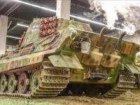Jeżdżące modele czołgów w skali 1/4, niektóre ważą 600kg