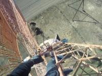 Wspinaczka na jedyny taki wiatrak na świecie  Climbing on huge windmill