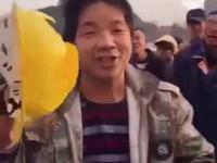 Kask chińskiego robotnika kontra kask jego szefa