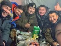 Łowienie ryb z Rosjanami przy -30°C