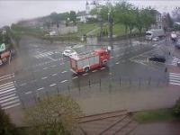 Sokółka: zderzenie samochodu z wozem strażackim