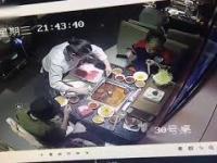 Zupa eksploduje, gdy kelnerka próbuje wyciągnąć zapalniczkę
