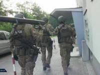 Brutalny napad na nastolatków i odpowiedź policjantów