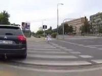 Idiota na ścieżce rowerowej