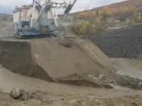 Ratowanie potężnej 720-tonowej koparki