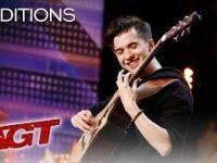 Marcin Patrzałek - polski gitarzysta w amerykańskim Mam Talent