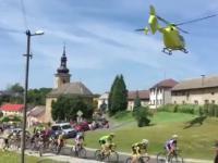 Helikopter vs wyścig kolarski