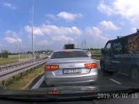 Szeryf w Audi. A1 węzeł Wieszowa