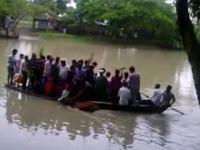 Zabawny wypadek łodzi w Bangladeszu