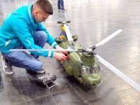 Realistyczny model śmigłowca Chinook