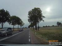 Kierowca audi prawie doprowadza do wypadku