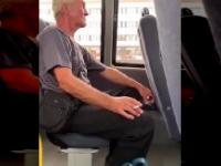 Mężczyzna wyrzucony z autobusu za palenie papierosów
