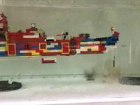 Zestawy Lego kontra podwodne petardy