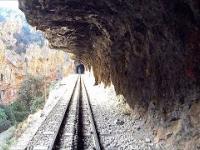 Przepiękna trasa kolei górskiej w greckich górach