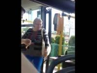 Akcja z śmierdzącą babą w autobusie