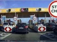 Nieporadni kierowcy na bezobsługowych bramkach na autostradzie