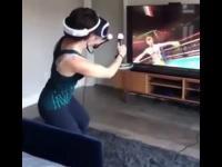 Kiedy za bardzo wczujesz się w granie w wirtualnej rzeczywistości