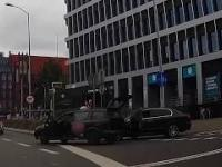 Taksówkarz z kluczem rzucił się na kierowcę