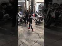 Kiedy wyzwiesz policjanta na pojedynek w breakdance