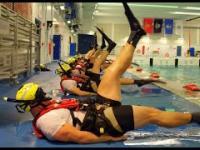Trening ratowników wodnych ze śmigłowców