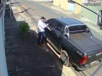 z cyklu broń ratuje życie: przestępca nie miał powodzenia, właściciel auta miał broń