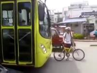 Kiedy rowerzysta wkurzy kierowcę autobusu