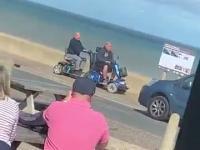 Starcie dwóch tytanów na wózkach elektrycznych