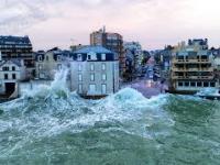 Wysokie fale w Saint-Malo zarejestrowane przez drona