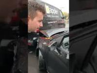 Kobieta postanawia odjechać z miejsca wypadku