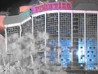 W Las Vegas nawet wyburzanie musi być efektowne