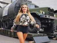 Beautiful Military Women & Pontoon Bridges Military Engineers Technology Modern Radar Pretty Girl
