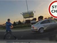 Kierowca Passata hamuje i zajeżdża drogę...
