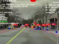 Co widzi autopilot Tesli podczas jazdy