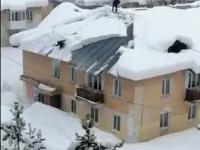Jak ekspresowy odśnieżyć dach?