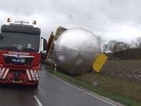 Nieoczekiwany wyładunek gabarytu w trakcie transportu