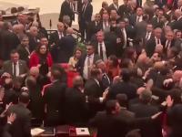Ostra debata w tureckim parlamencie