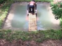 Zbuduj najtajniejszy podziemny dom w basenie