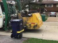 Śmieciarka z ukrytą opcją spalania śmieci