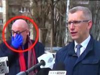 Na oczach dziennikarzy - tyle razy dotknął twarzy!