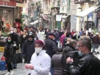 W Neapolu tłumy ludzi wyszli na ulicę!