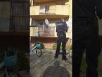 Policjant pastwi się nad obywatelem