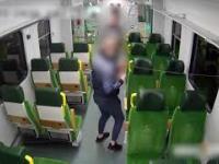 Pasażer w dresie chciał odgryźć młotek w pociągu
