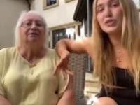 Uzależniona babcia rozmawia z swoją wnuczką