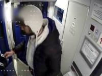 Okradł pasażera, który zasnął w pociągu Kto go rozpoznaje