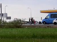 Helikopter na stacji benzynowej w Garwolinie. Zabrakło paliwa
