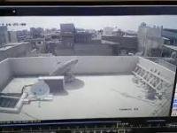Moment rozbicia się samolotu Airbus A320 pakistańskich linii o domy w Karaczi